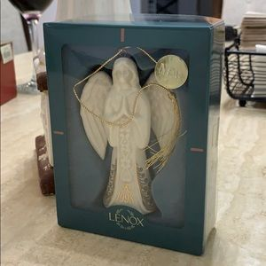 Lenox Annual Angel. Dated: 1998